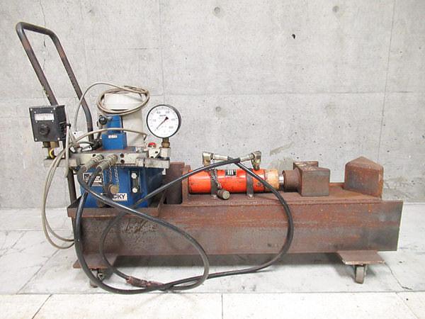 油圧シリンダ・油圧ポンプユニット1